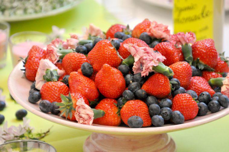 Ge bort present jordgubbar
