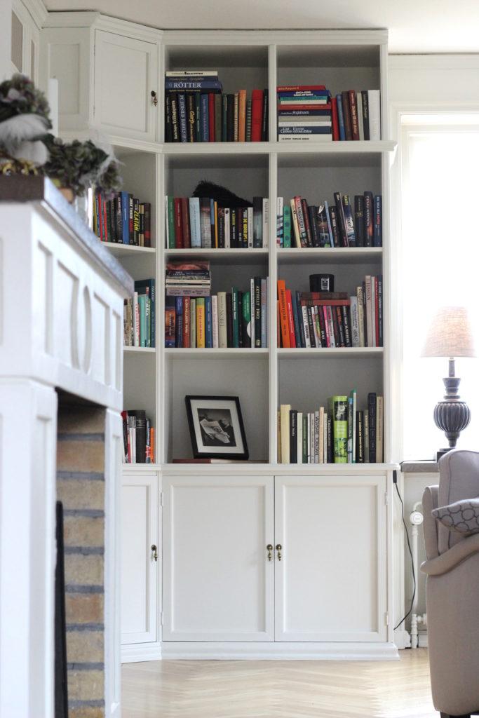 bokhyllan-i-vardagsrummet